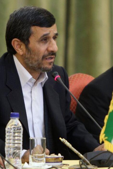 MAHMOUD AHMADINEJAD.- Es el actual presidente de Irán  sobre quien han p...
