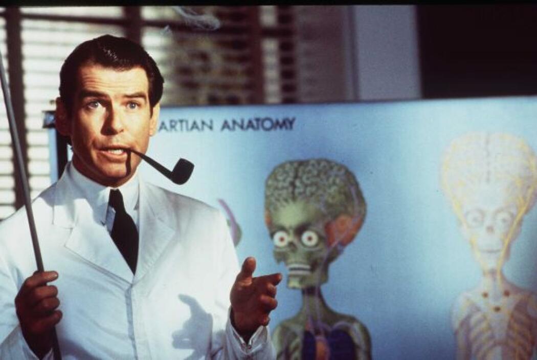 """El mismo año, en el ´97, Brosnan tuvo un pequeño papel en """"Mars Attacks""""..."""