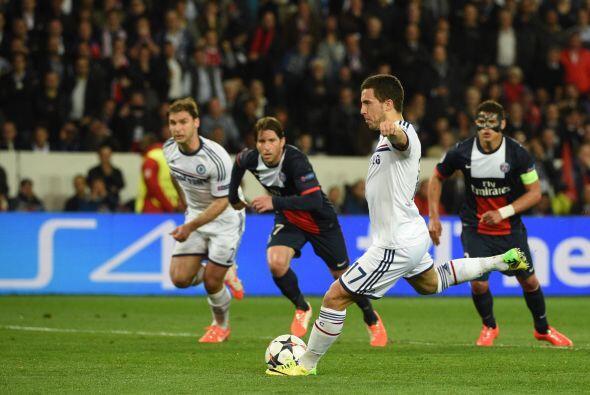 Al minuto 27, un penalti se marcó en favor de los ingleses y el c...