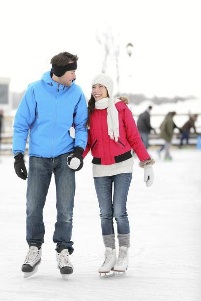 Romance sobre hielo. Atrévanse a ir a una pista de patinaje y déjense ll...