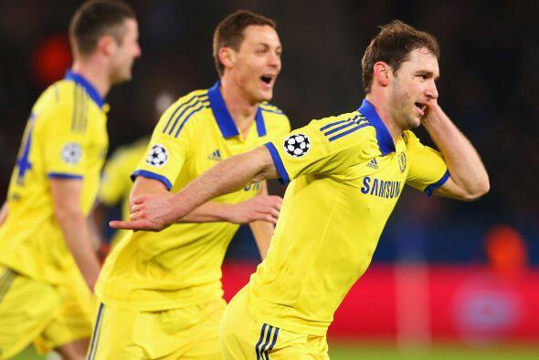 Así que el Chelsea tomaba la ventaja antes de finalizar la primer...