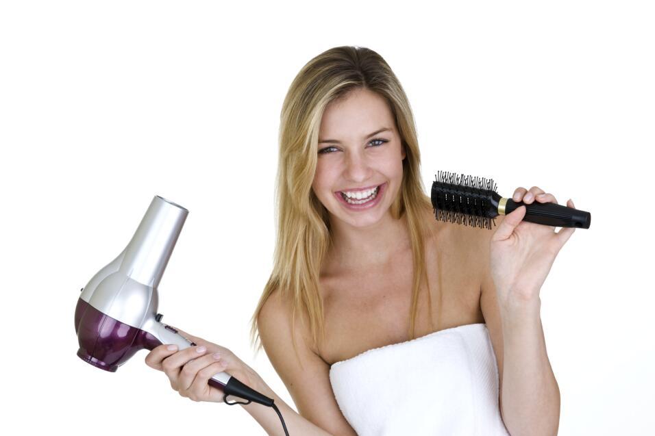 El secador de pelo, este dispositivo electromecánico diseñ...