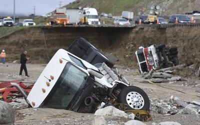 Californianos están en alerta ante las inundaciones y deslaves que han c...