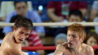 Yota Sato fue superior a Sylvester López toda la pelea.