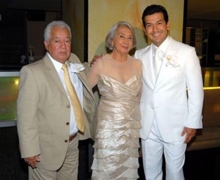 Los papás de MarioMario no podía ser un novio más feliz: se casó con la...