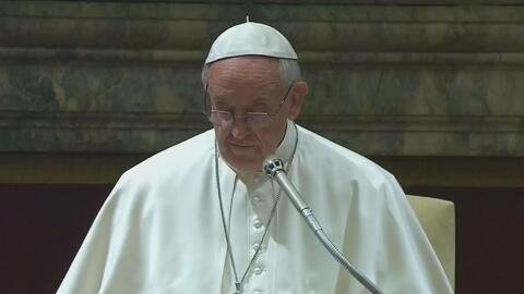 Catalogan al Papa Francisco de revolucionario e izquierdista