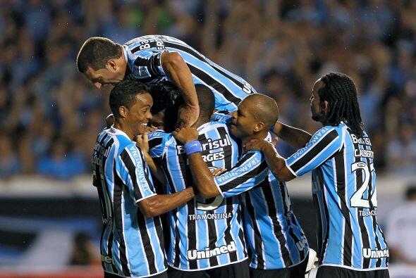 El conjunto brasileño fue local en el partido del Grupo 3 del cer...