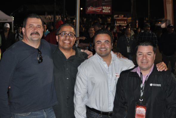 Una treintena de pilotos mexicanos de NASCAR hicieron historia el 1 de m...