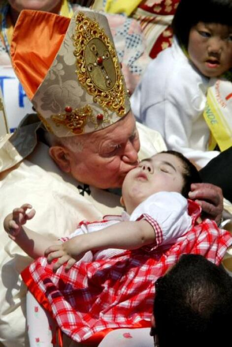 El cariño, la fe y devoción de Juan Pablo II fueron compartidos por medi...