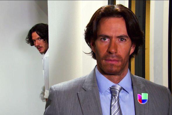 Ya nos dimos cuenta que Juan no se mueve sólo, alguien lo está apoyando...