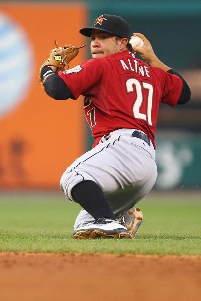 2B. José Altuve. Astros de Houston. El venezolano conectó 10 imparables...