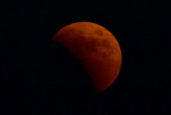 Los aztecas creían que un eclipse era un mordisco en la cara de la luna....