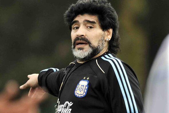 ''Si le hubiese ganado sólo a Costa Rica, me hubiese ido'': Maradona se...