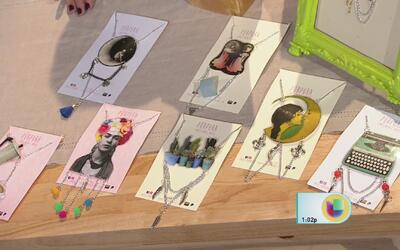 Creativa forma de contar historias a través de joyería hecha de papel