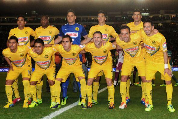 América: Muñoz, Rodríguez, Mosquera, Valenzuela, Martínez, Layún, Aguila...