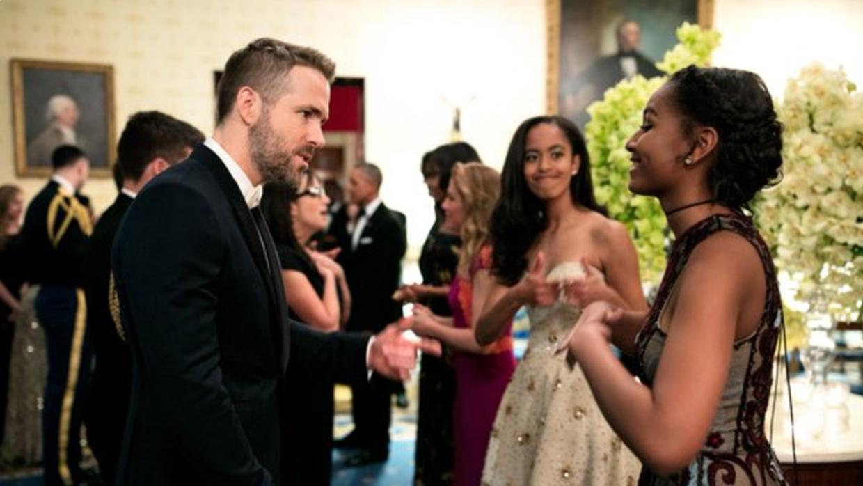 Sasha y Malia Obama conocieron al actor Ryan Reynolds