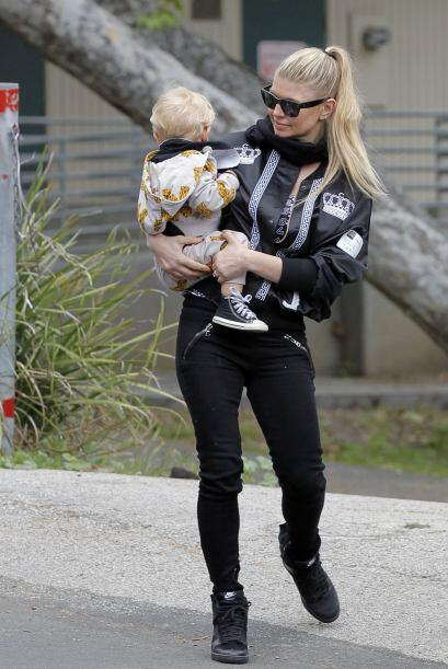 El estilo que usa Fergie para estar con su familia es bastante 'fashion'...