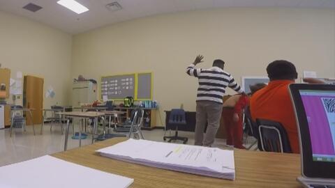 Indignante video de unos maestros maltratando a un joven autista en Caro...