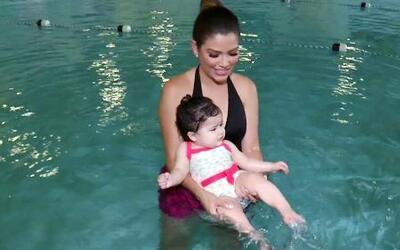 Al agua patos: La primera clase de natación de Baby Giulietta