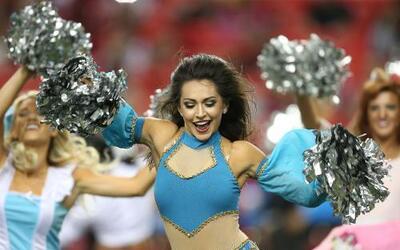 Las bellas porristas de la NFL siguen demostrándonos sus disfraces en es...