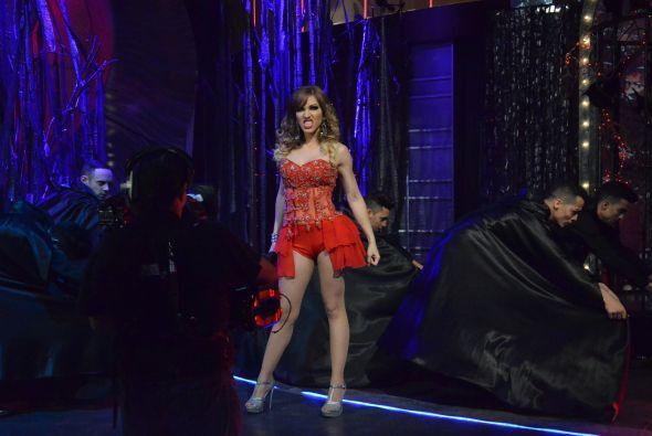 La primer competidora de la noche fue Tatiana, que a lo largo de la comp...