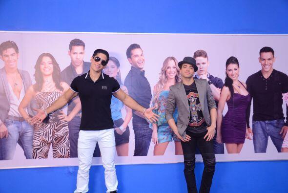 Después de esta visita, los cantantes corrieron a Univision.com p...