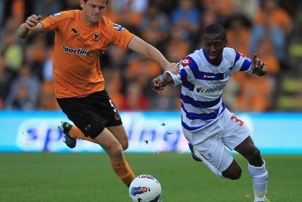 Queens Park Rangers se dio el gusto de golear al Wolverhampton, y jugand...