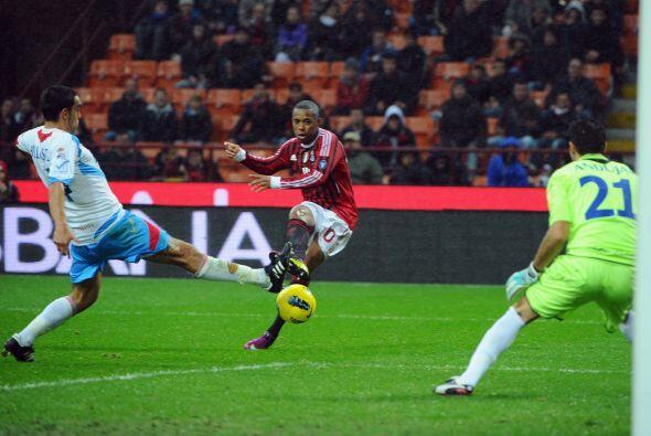 Antes del segundo tiempo, el Milan buscaba insistentemente marcar de nuevo.