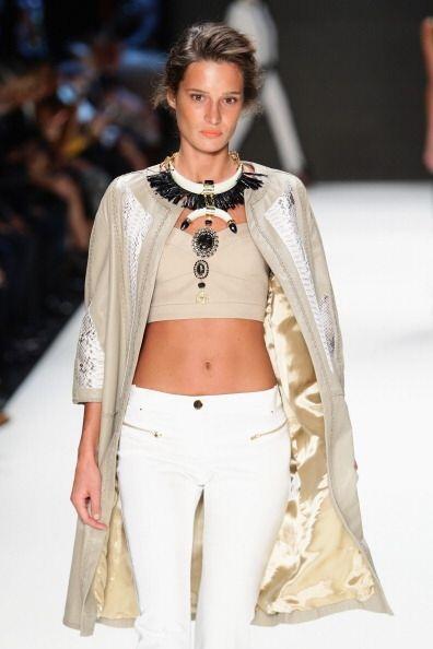 Combina la moda 'street' y tribal con el 'glamour' y la elegancia en est...