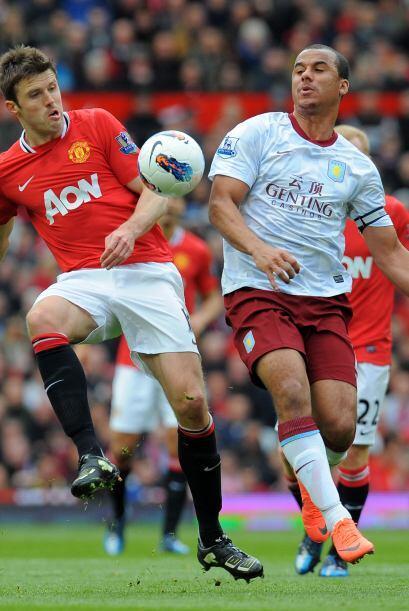 El Villa no encontraba forma de al menos hacer un gol.