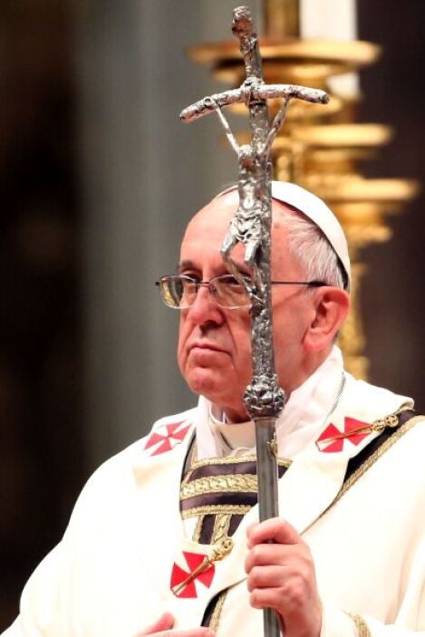 El rito se divide en tres partes fundamentales: la celebración del fuego...
