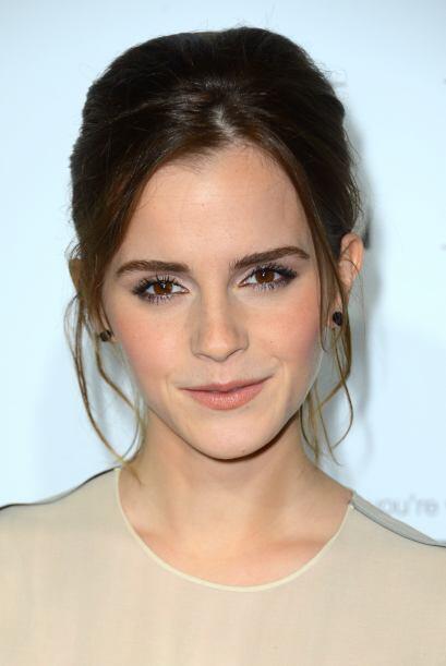 """Cuando Emma le quiere poner un """"hasta aquí"""" a la formalidad prefiere mos..."""