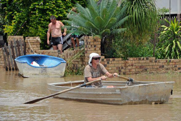 Con estas inundaciones se estima que $1,000 millones será el cost...