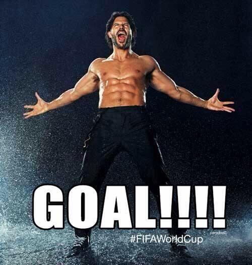 Y como ves, le encanta el fútbol.  Mira aquí los videos m&...