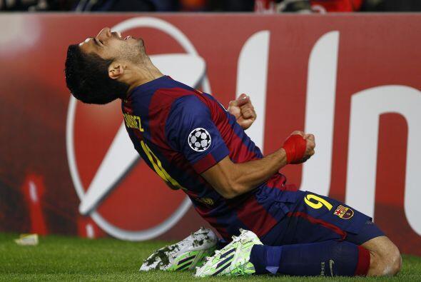 Pero el técnico Luis Enrique envió al campo a Xavi, quien...
