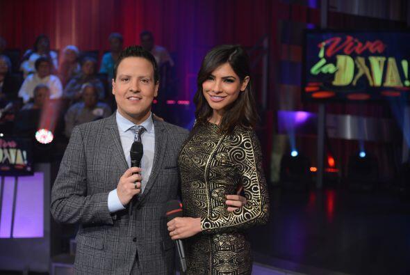 Raúl González y Alejandra Espinoza son los conductores de 'Viva La Diva'...