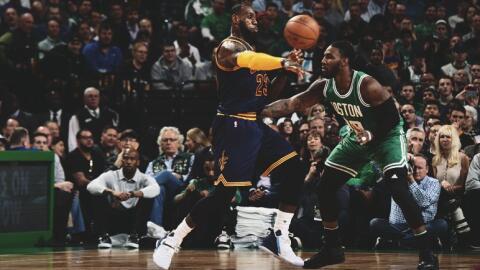 LeBron James totalizó 36 puntos, 10 rebotes y seis asistencias.