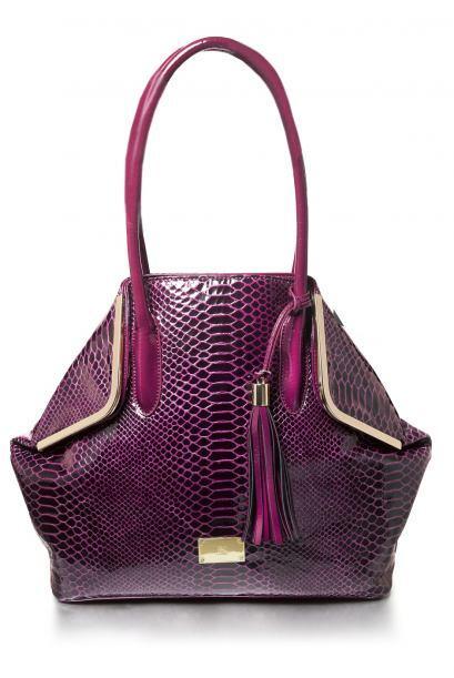Las mujeres pueden tener mil bolsas y nunca serán suficientes. As...