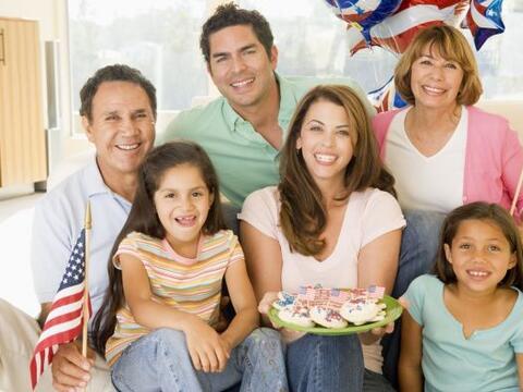 Festeja en familia este 4 de julio, disfruta del día de la Indepe...