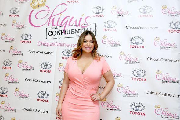 Por si fuera poco, Chiquis se lució con este vestido color rosa.