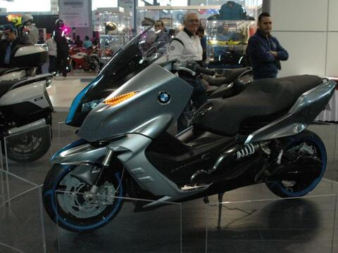 El Salón Internacional de la Motocicleta 2011 recibió a lo...