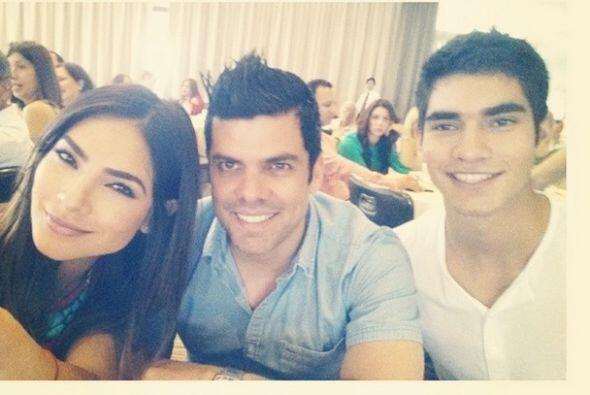 Alejandra se muestra feliz con sus dos grandes amores.