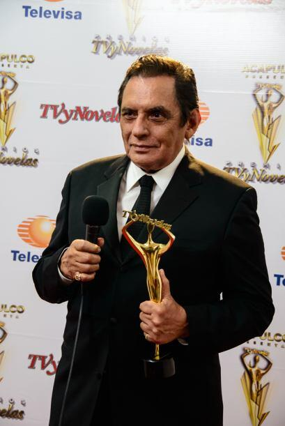 Manuel Ojeda como Mejor Villano por La Tempestad.