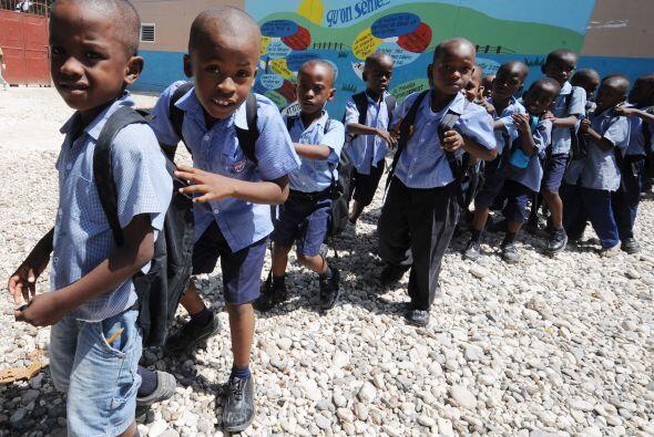 El retorno a las aulas para los niños haitianos, víctimas del terremoto...