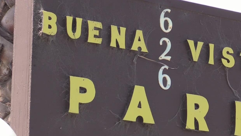 Tras cinco años de zozobra, inquilinos de parque de casas móviles en Pal...