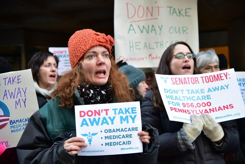 Los republicanos modifican su propuesta de ley para reemplazar Obamacare...