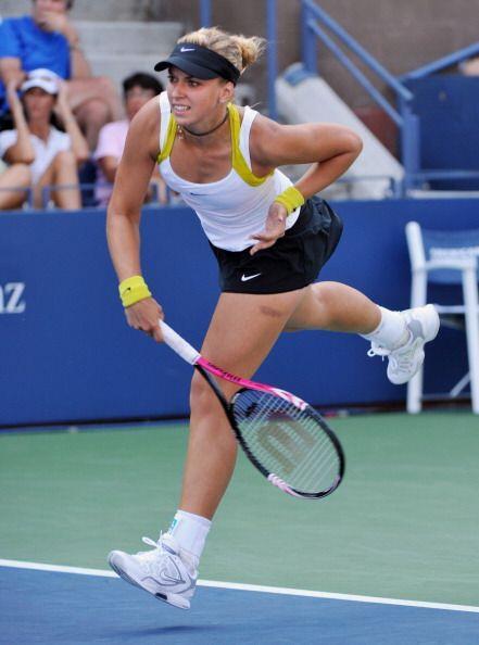 Sabine Lisicki también tuvo un buen día y derrotó a Irina Falcon en solo...