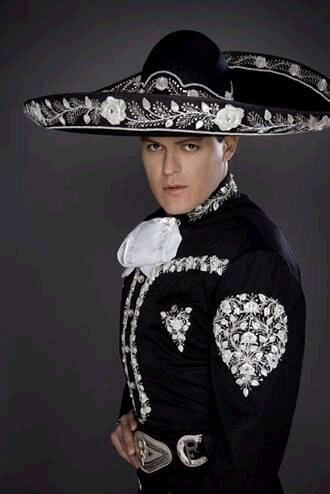 Pedro Fernández también está nominado como Artista Ranchero del Año.