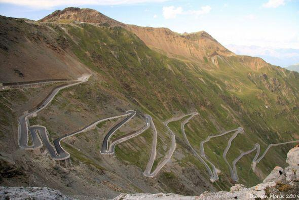 Stelvio Pass, Eastern Alps, Italy  (Foto: Damian Morys)