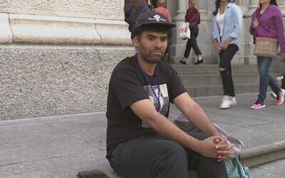 Activista inicia huelga de hambre para pedir que parroquias de Nueva Yor...